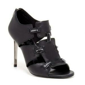 Fergie - Black Daphne Heels